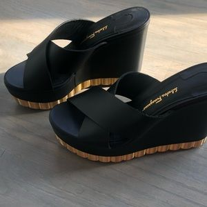 Ferragamo Nicosia summer sandal size 7c